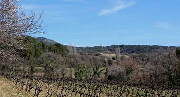 The path from Pierrouret to Lourmarin